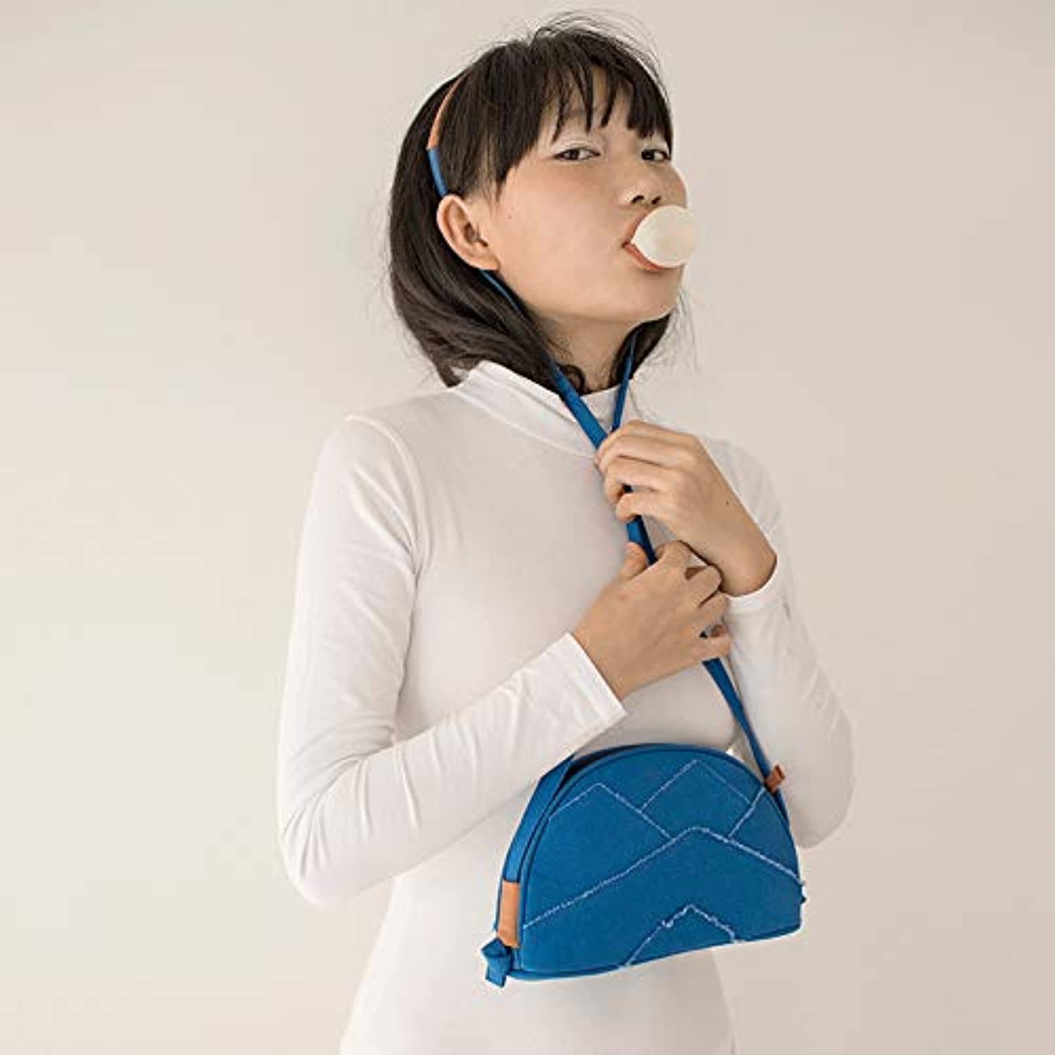 WANGZHAO The Expression Series The Earth, The Shell Bag, The Women's Bag Skew Across The Bag, The Small Bag, The Personality Canvas Bag.