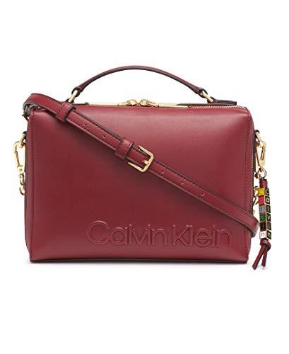 High quality vegan leather 1 Slip Pocket, 1 Zip Pocket, 1 Slip Pocket Adjustable Crossbody Strap