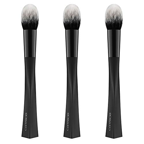 Catrice Triangle Artist Highlighter Brush, Nr. 010 Impeccable, schwarz, vegan, Nanopartikel frei, ohne Parfüm, 3er Pack