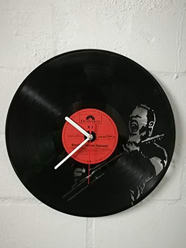 Wanduhr aus Vinyl Schallplattenuhr mit Metallica Motiv upcycling design Uhr Wand-deko vintage-Uhr Wand-Dekoration retro-Uhr