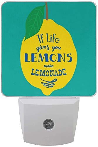 Paquete de 2 lámparas de luz nocturna LED enchufables con estampado de limón amarillo con sensor de anochecer a amanecer para dormitorio, baño, pasillo, escaleras