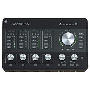 Interfaccia audio USB-C con convertitori AD/DA di ultima generazione a 24 bit con velocità di campionamento fino a 192 kHz 18 ingressi, 20 uscite canali Ricevitore audio Bluetooth che supporta aptX e AAC Robusto telaio da scrivania in metallo Sezione...