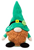 De la très populaire collection d'ours en peluche d'Aurora Jouet doux et extrêmement tactile fabriqué avec des matériaux de haute qualité Adorable Gnome habillé en Costume traditionnel Irlandais Les enfants vont adorer ce nounours doux et câlin Convi...