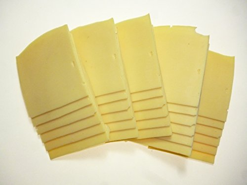 Set di formaggi decorativi Ricambio per alimenti deperibili per vetrine. Il formaggio imitazione come originale articolo decorativo Modelli di cibo in plastica. Ideale per film, teatri, TV e fotografi food