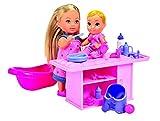 Simba 105733360 - Evi Love Babysitter / mit süßem Baby / mit Wickeltisch / viel Zubehör / Ankleidepuppe / 12cm, für Kinder ab 3 Jahren