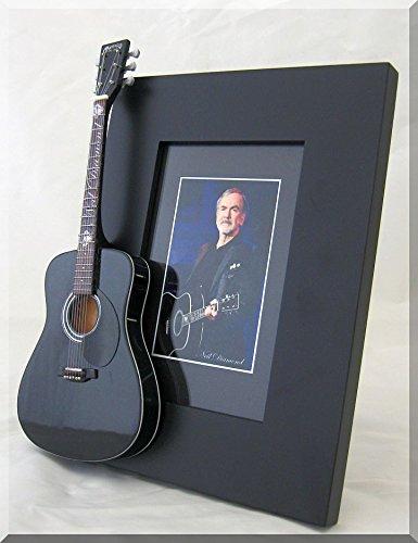 ARTSTUDIO35 Neil Diamond Miniatur-Gitarre Bilderrahmen