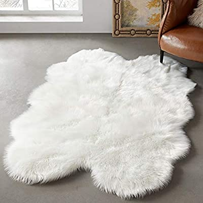 LEEVAN Faux Fur Sheepskin Shag Rug Silky Super Soft Area Rug Plush Fluffy Chair Cover Seat Floor Mat Carpet Luxurious Comfort Accent Home Decor for Living Room Kid's Room (4ft x 6 ft, White)