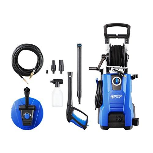 Nilfisk E 140 bar 140,4 -9 DP X-TRA Hochdruckreiniger für Haushalt, Außenbereich, Autowäsche und Gartenarbeiten  – inklusive Terrassenreinigungsset – 2400-W-Induktionsmotor, 230 V (Blau)