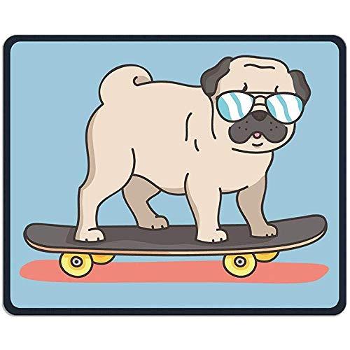 Muismat Pug Sport met Skateboard Rechthoek Rubber Mousepad Lengte 18 x 22 CM Gaming Mouse Pad met Zwarte Lock Edge
