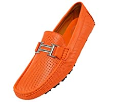 MEN'S MOCCASIN SHOES FOR ULTIMATE COMFORT - A soft lining and split driver outsole completes the look of this effortless slip-on style. This men's moccasin driving shoe is the perfect alternative to a traditional loafer. No more sweating and aching f...