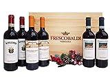 La bella cassetta in legno originale contiene tre splendidi vini toscani conosciuti ed apprezzati in tutto il mondo. 2 Bottiglie Chianti Rufina Riserva DOCG Nipozzano, da 75 cl; 2 Bottiglie Rosso di Montalcino DOC Campo ai Sassi, da 75 cl; 2 Bottigli...