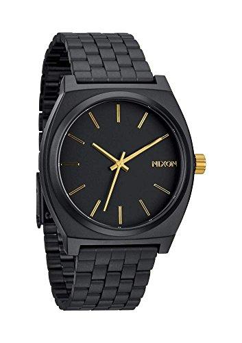 Nixon Time Teller Herrenuhr Analog Quarz mit Edelstahl Armband Matte Schwarz / Gold