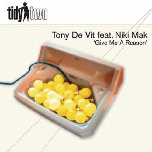 Tony De Vit featuring Niki Mak