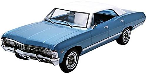 orden ahora con gran descuento y entrega gratuita verdelight Collectibles Collectibles Collectibles Artisan Collection 1967 sedán Chevrolet Impala Sport azul   blanco Vehículo (Escala 1 18)  calidad oficial