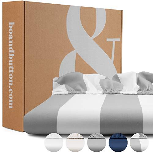 bo&button® Spannbettlaken | Superweiches Mako Satin aus 100% feinster Bio Baumwolle | Echte Luxusbettwäsche zum besten Preis | 90 x 200 cm, Steghöhe 30 cm, Grau Weiß Gestreift/Breite Streifen