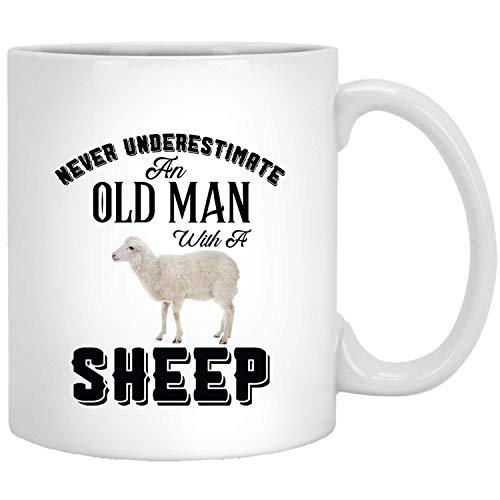 Onderschat een oud schaap, grappig cadeau voor dierenliefhebbers.