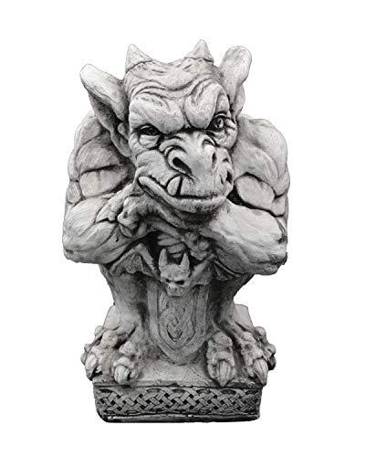 gartendekoparadies.de Massive Steinfigur Gargoyle mit Schwert Torwächter aus Steinguss frostfest