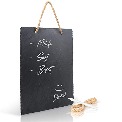 Amazy Schiefertafel (30,5 cm x 20 cm) zum Aufhängen mit Juteband inkl. Kreidestift zum Beschriften – Das wetterbeständige Memoboard – Für stilvolle Notizen und dekorative Botschaften Plus Ersatzband