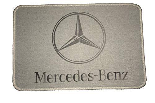 Fußmatte kompatibel mit Mercedes, 60x40cm | LKW-Fußmatte, Teppich zur Innenausstattung | Schmutzfänger für LKW, PKW und Wohnung | Autofußmatte als Zubehör fürs Truck-Fahrerhaus