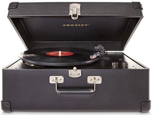 Crosley Keepsake - Tocadiscos estilo maletín de lujo con 3 velocidades (con enchufe Reino Unido, puerto USB y altavoces estéreos integrados, Negro)