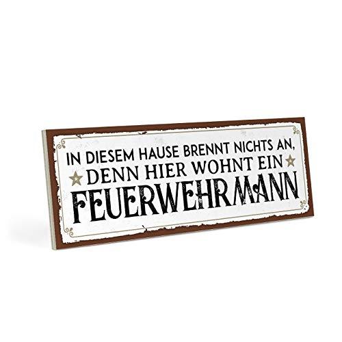 ARTFAVES Holzschild mit Spruch - Hier WOHNT EIN FEUERWEHRMANN - Vintage Shabby Deko-Wandbild/Türschild
