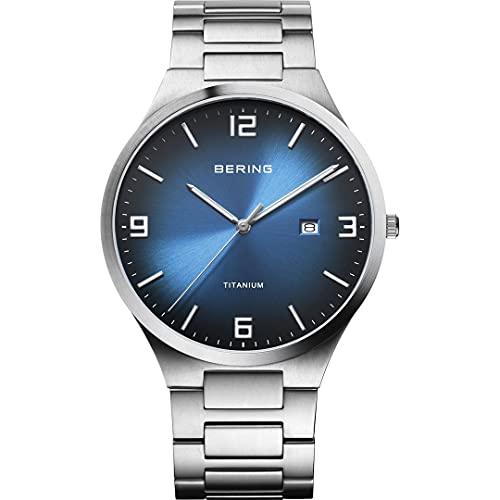 Bering Reloj analógico de cuarzo para hombre con correa de titanio y correa de titanio 15240-777