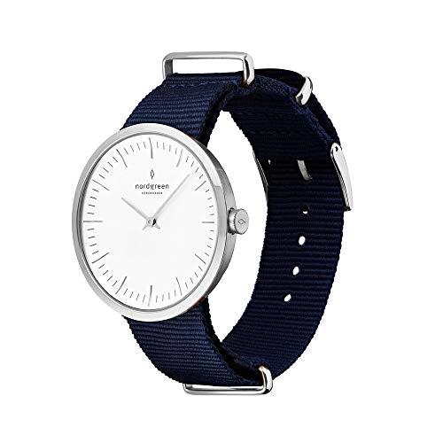 Nordgreen Infinity skandinavische Herrenuhr in Silber mit weißem Ziffernblatt und austauschbarem 40mm Nylon Armband Navy Blau 10127
