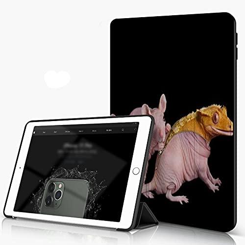 She Charm Carcasa para iPad 10.2 Inch, iPad Air 7.ª Generación,Animales creativos Lagarto Amarillo con Piel de Rata Ratón Rosa,Incluye Soporte magnético y Funda para Dormir/Despertar