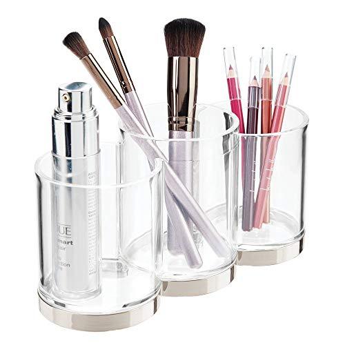 mDesign praktischer Kosmetik Organizer – dekorative Kosmetik Aufbewahrungsbox für Pinsel und Wimperntusche – Ablage mit 3 Fächern zur Schminkaufbewahrung – durchsichtig und silberfarben