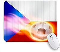 TARTINY ゲーミング マウスパッド,燃えるサッカーの上を飛んでフィットネスチェコフラグ,マウスパッド レーザー&光学マウス対応 マウスパッド おしゃれ ゲームおよびオフィス用 滑り止め 防水 PC ラップトップ