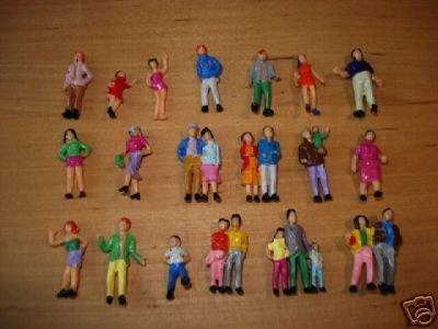 100 stehende Figuren für H0 Kirmes, Bahnhof usw.