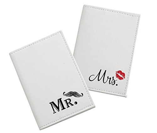 Lillian Rose TR643 MM Mustache & Red Lips Couple Passport Covers, Multicolor