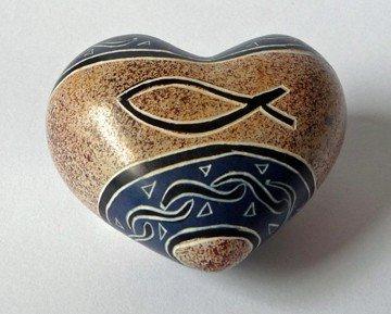 Avec sardines bleu coeur main, matériau : stéatite, : env. 4,5 cm