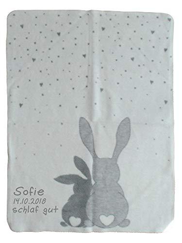 *Wolimbo Babydecke mit Ihrem Wunsch-Namen und Ostern Motiv – Hasen Motiv – Baumwolle Acryl – 75×100 cm für Mädchen und Jungen*