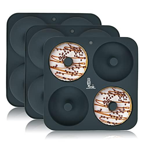 SUPER KITCHEN Juego de 3 Moldes de Silicona Grande para Donuts de 4 Cavidades, Bandeja para Rosquillas Antiadherente, Bandeja para Hornear para Donas, Pasteles, Bagels, Muffins (23,5x23,5x2 cm,Gris)