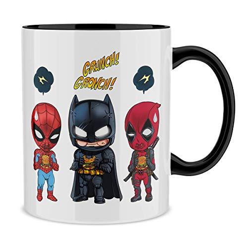 OKIWOKI Taza con asa Negra e Interior Negro Parodia de Avengers- Batman, Deadpool y Hombre Araña (Taza de Primera Calidad - Impresa en Francia - Réf : 1062)