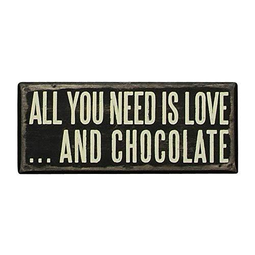 des éléments par Kathy Box Sign, 6,3 cm par 15,2 cm, et Chocolat