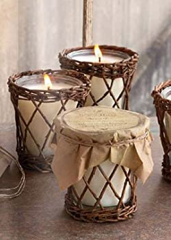 Park Hill Collection Autumn Gathering Scented Candle - Harvest Season Aroma of Roasted Hazelnut and Ground Cinamon.