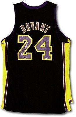 Kobe Bryant Signed Autographed Lakers