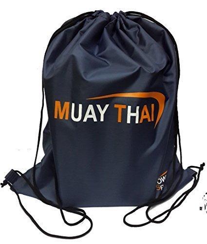 Kit Bag macht 'muay-thai' (Kordelzug)...