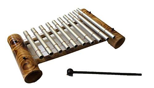 Handgemachtes Xylophon aus Bambus und Metall mit Stab