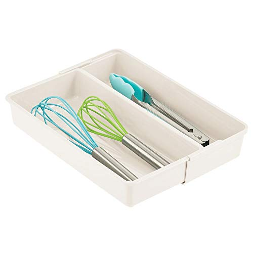 mDesign verstellbarer Schubladeneinsatz – praktischer Besteckkasten mit 2 Fächern für die Küche – rutschfester Schubladentrenner aus BPA-freiem Kunststoff für Schrank und Kommode – cremefarben