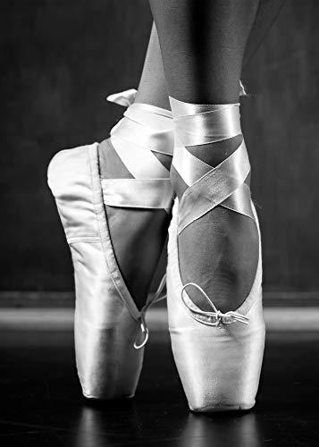 PICSonPAPER Hochwertiges Poster Ballett, 50 cm breit x 70 cm hoch, Dekoration, Kunstdruck, Wandbild, Fineartprint, Wandposter Ballerina schwarz Weiss Balletttänzerin