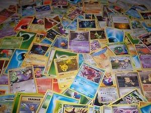 Preisvergleich Produktbild Pokémon - 100 verschiedene Karten - Englisch