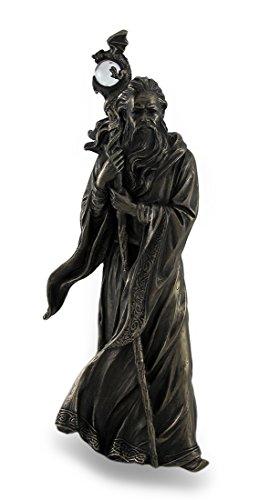 Figura en bronce de Merlín el mago.