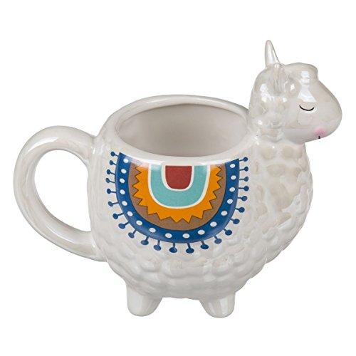 Beker in plastic Lama-design op vier lama-voeten met Lama-kop. Afmetingen (H x B x D): 13,5 x 16 x 9,5 cm, inhoud: ca. 350 ml, materiaal: aardewerk/keramiek. Wit met 'Lama-plafond' in etnische look.