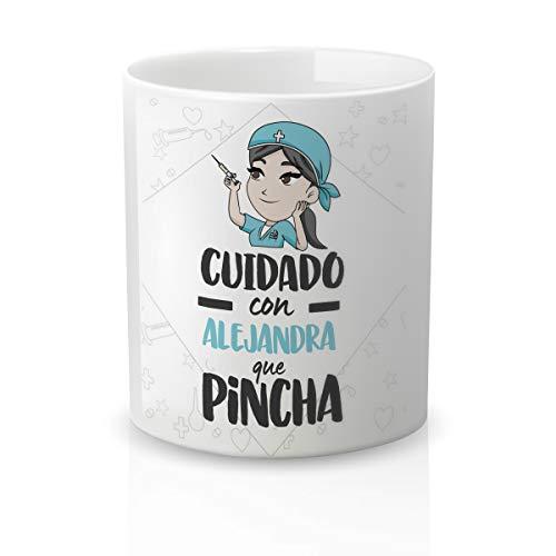 Yujuuu! | Taza personalizable con nombre | Taza cerámica para regalo original Profesión Enfermera. RESISTENTE 100% al microondas y lavavajillas. (Diseño 06) Frase cuidado que pincha