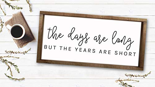 """Not Branded Landhaus-Dekoration mit Aufschrift """"The Days Are Long But The Years Are Short"""", rustikales Design"""