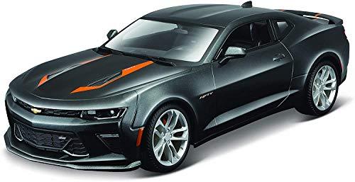 Maisto Chevrolet Camaro zum 50. Jubiläum, Modellauto mit Federung, Maßstab 1:18, Türen und Motorhaube beweglich, Fertigmodell, lenkbar, 24 cm, grau (531385)