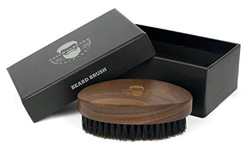 NaturalBeard Original Barbershop Bartbürste aus Walnussholz ~ Echtes Wildschweinhaar für die natürliche Bartpracht ~ Auftragen von Bartöl, Balm und Bartwachs